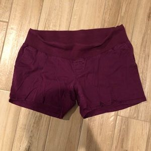 Cute fuchsia maternity shorts